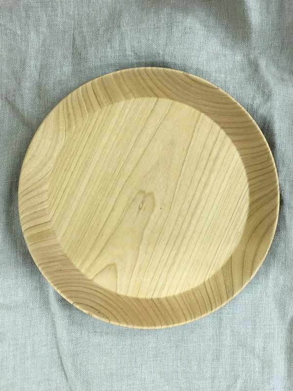 三谷龍二さんの木の皿
